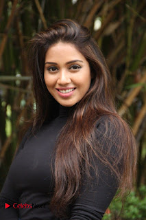 Actress Nivetha Pethuraj Stills at Oru Naal Koothu Press Meet  0004.jpg