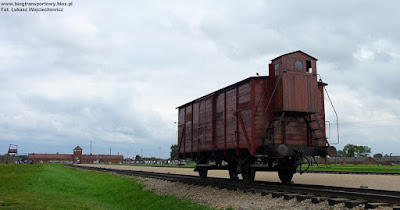 Wagon kryty z budką hamulcowego