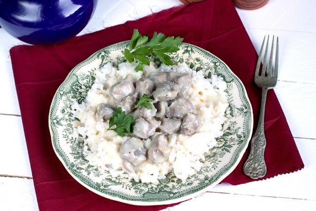 Żołądki drobiowe w sosie chrzanowym, kuchnia łódzka, kuchnia regionalna,