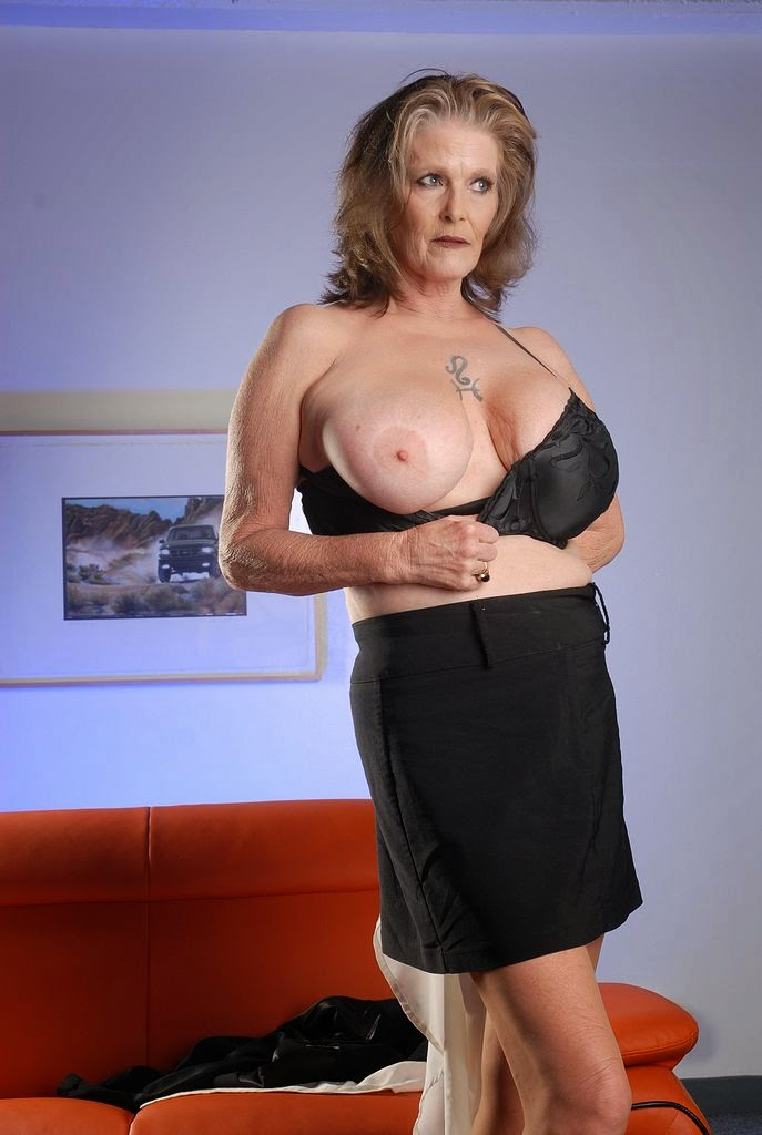 Tits Rose Mature 118