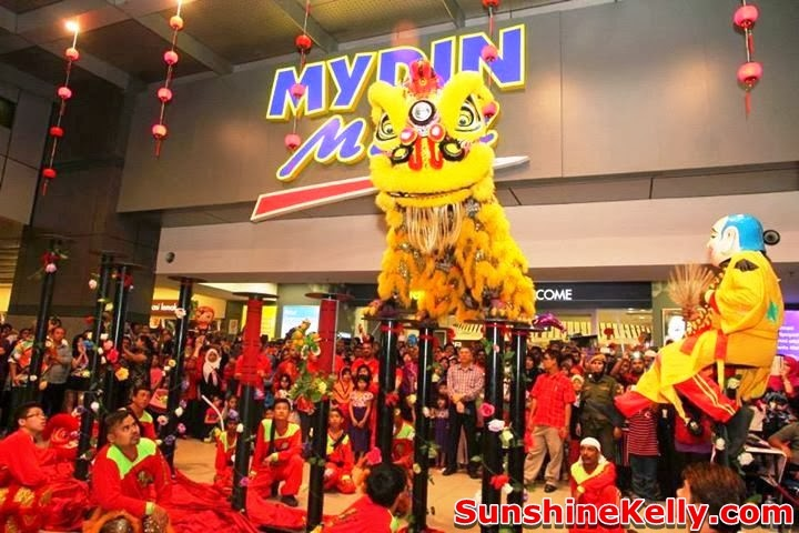 Chinese New Year Carnival @ Mydin Mall USJ, Chinese New Year Carnival, Mydin Mall, USJ, YB hannah yeoh, lou sang, acrobatic lion dance