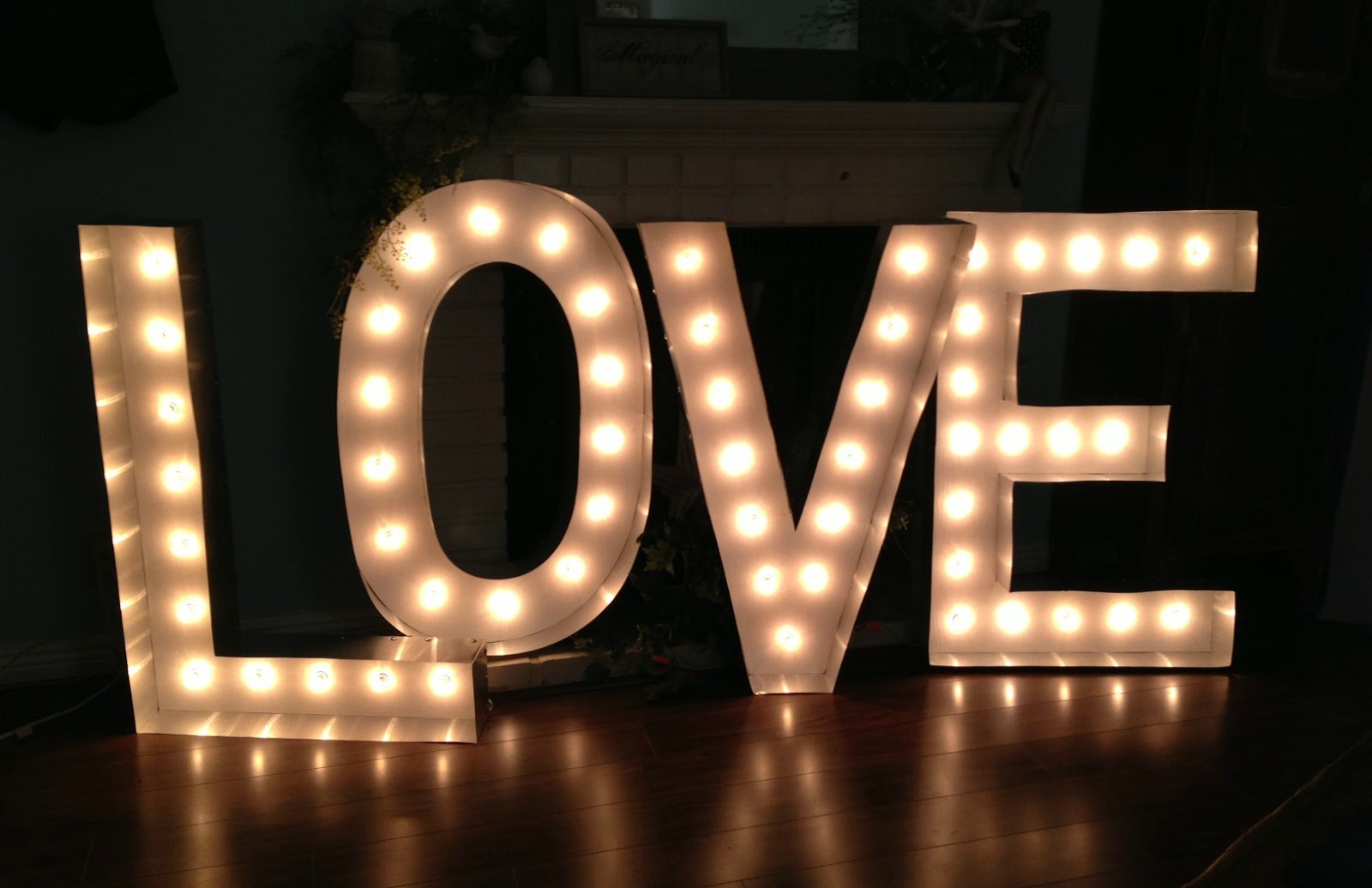 Pop art minis all you need is love supersize marquee for Love sign