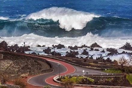 Πώς γεννιούνται τα μεγαλύτερα κύματα στον πλανήτη