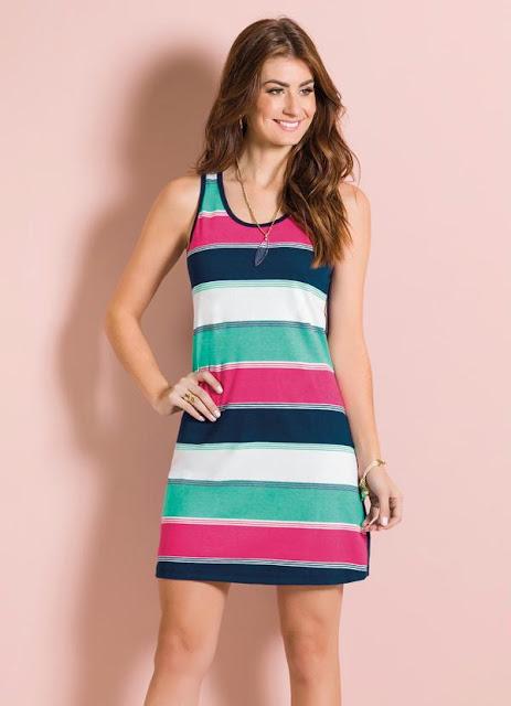 vestido com listras coloridas