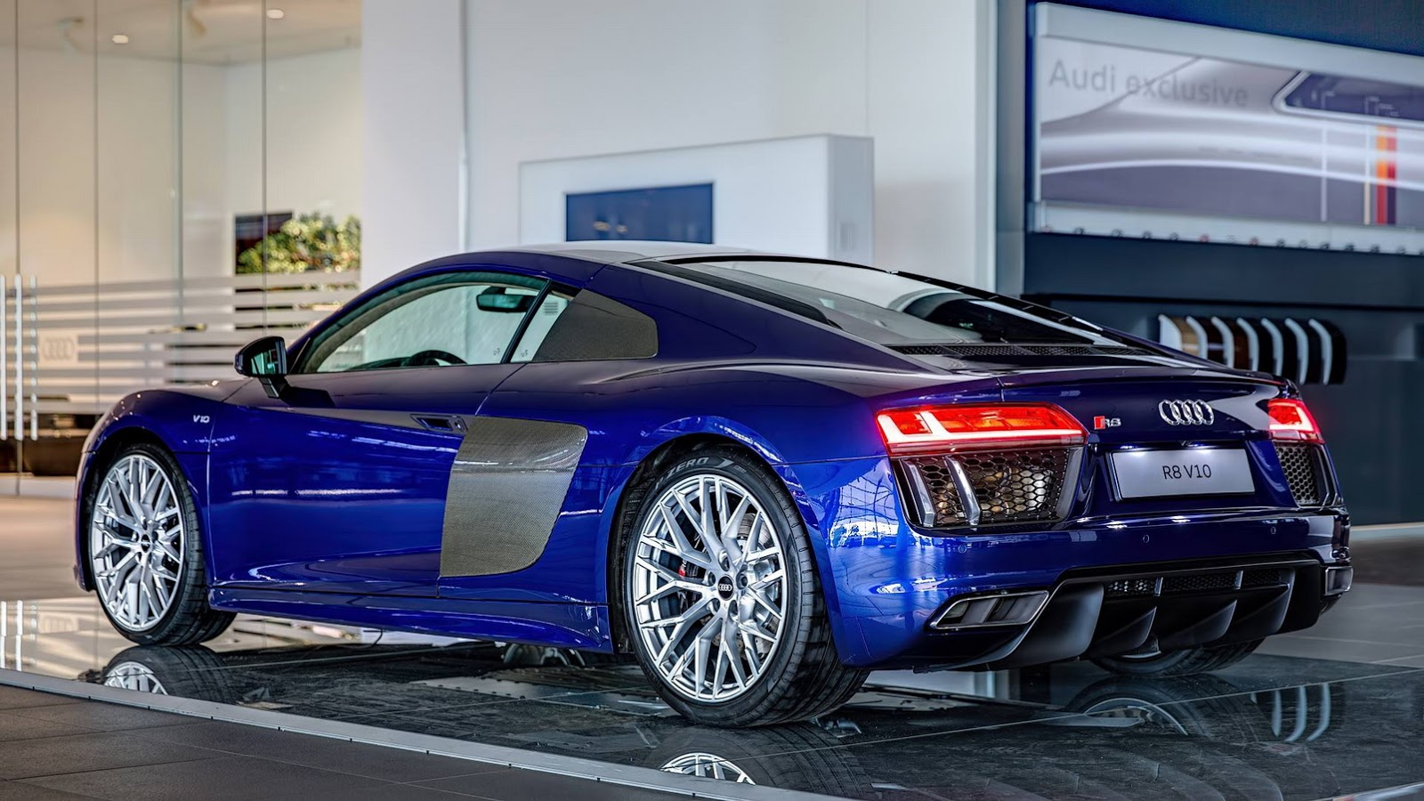 audi r8 to get twin turbo 2 9 liter v6 variant carscoops. Black Bedroom Furniture Sets. Home Design Ideas