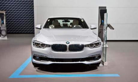 2017 BMW 330e iPerformance Change