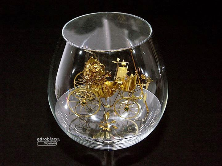13-Solar-Kinetic-Miniature-Sculptures-in-a-Glass-Goblet-www-designstack-co