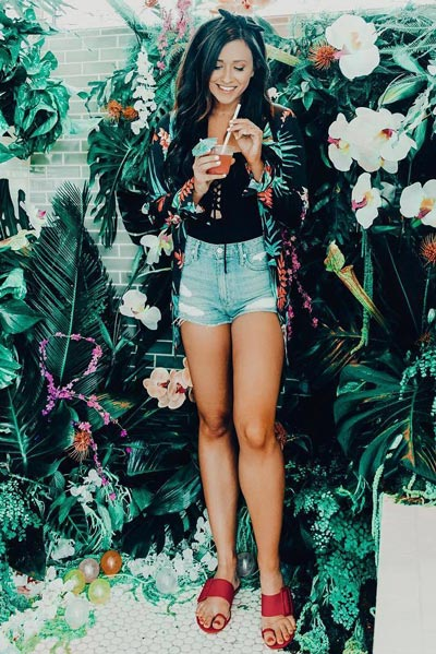 30 Trendy Fall Clothing Ideas for Every Day of Month | Floral Robe+ Off Shoulder One Piece+ Shorts