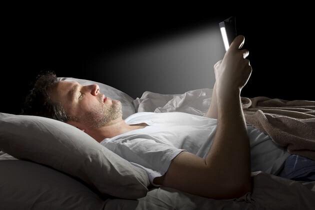 حقيقة إشعاعات الهواتف الذكية وآثارها الكارثية