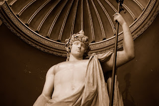 un Antinöus représenté en Bacchus, retrouvé dans la villa Adriana de Tivoli