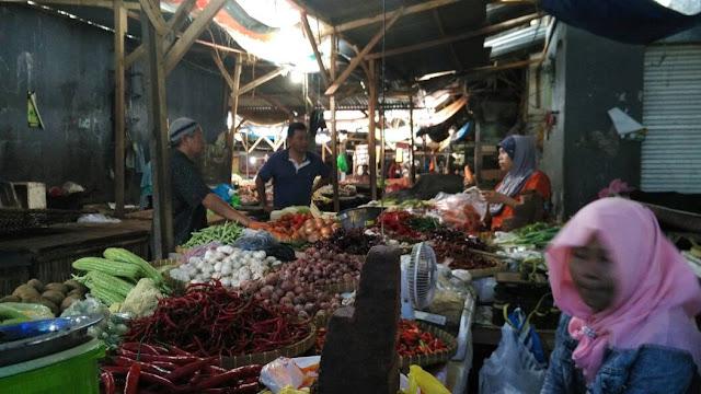 H+2 Lebaran, Pasar Kebon Roek Terlihat Sepi