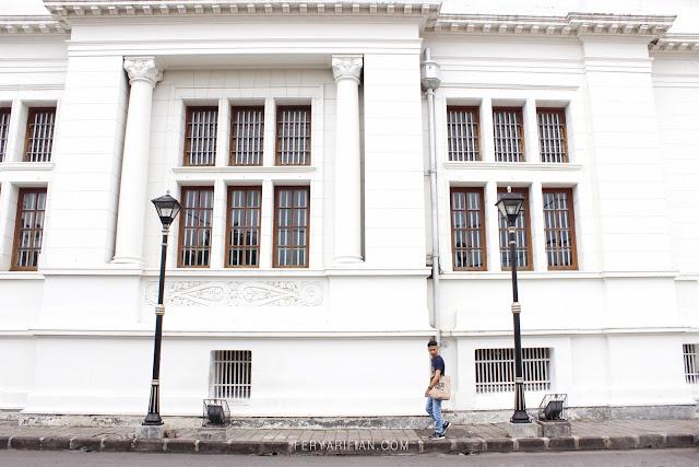 De Javasche Bank Surabaya - Fery Arifian   Food & Travel Blogger Malang
