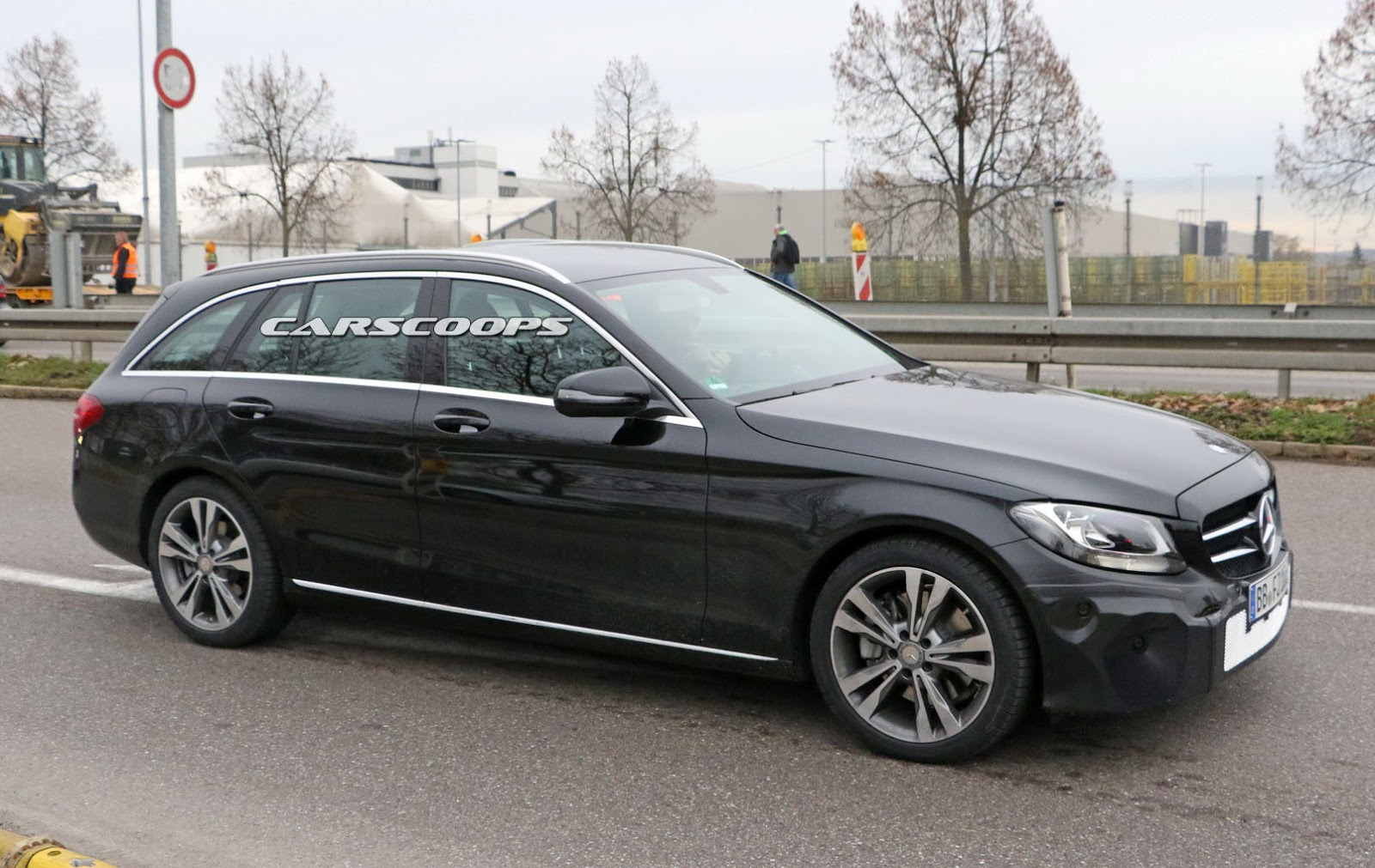 facelifted mercedes c class sedan and estate reveal refreshed interior carscoops. Black Bedroom Furniture Sets. Home Design Ideas