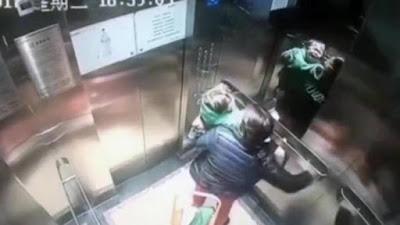 Memukuli Anak Majikannya di Dalam Lift, Aksi Babysitter Ini Tertangkap CCTV yang Membuat Banyak Netizen Geram