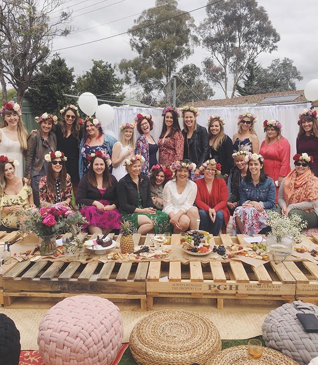 SIX HENS PARTY FLOWER CROWN WORKSHOPS | AUSTRALIA