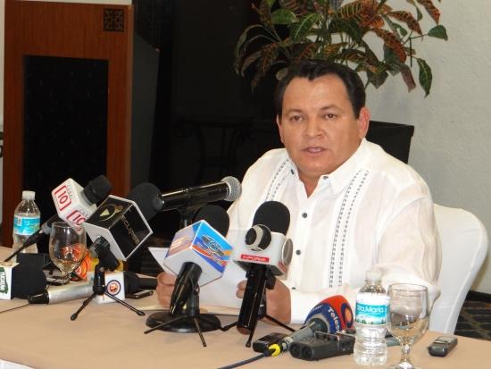 Huacho Díaz buscará ser el candidato de Morena