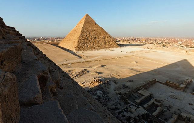 foto-yang-diambil-dari-puncak-piramid-secara-rahsia-9