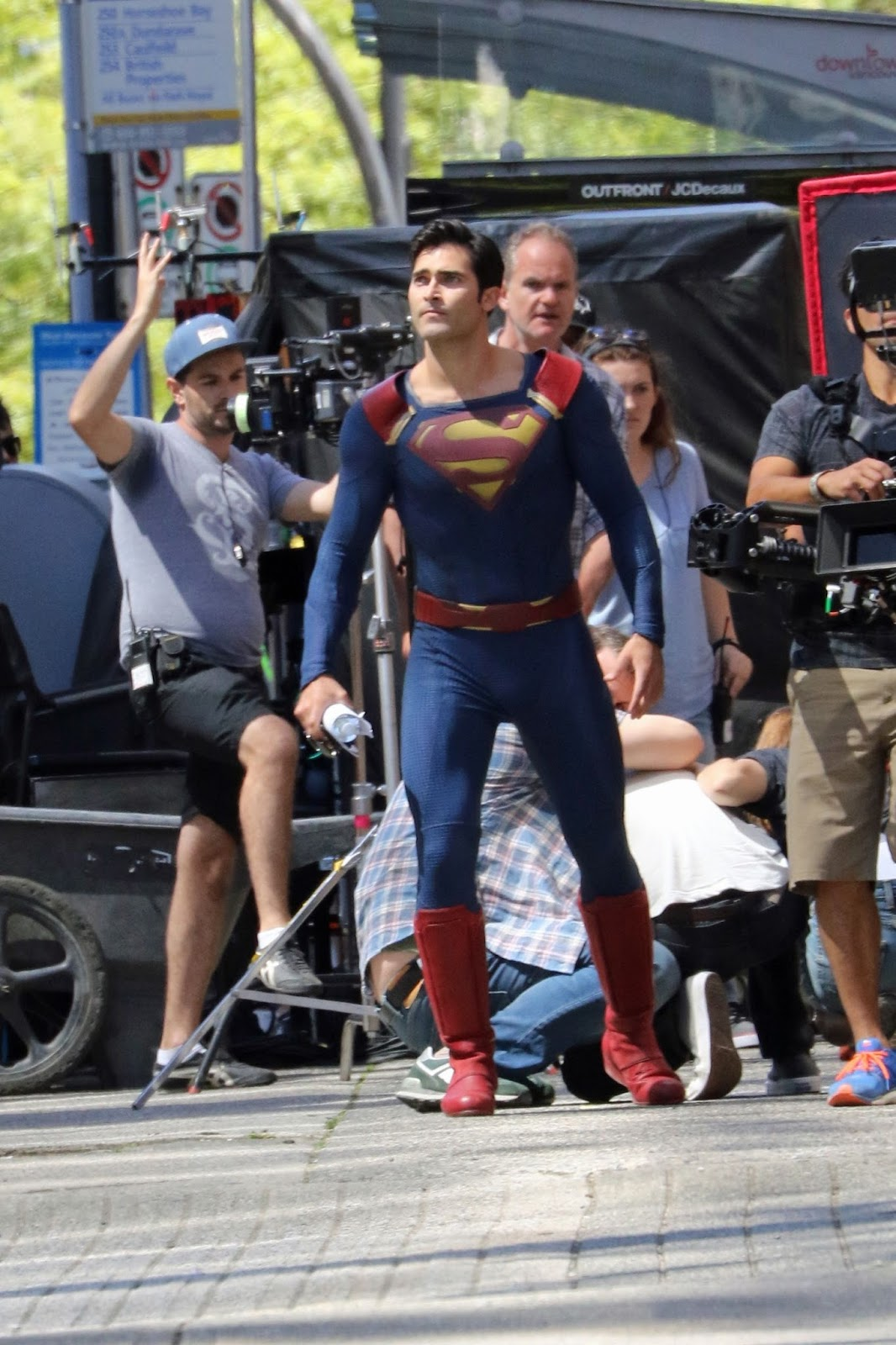 Supergirl la série? - Page 7 SPGSet01-0017