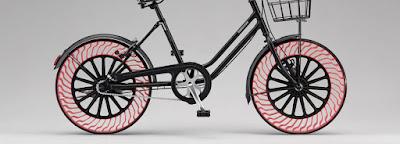 Bridgestone presenta una bicicleta sense aire a les rodes