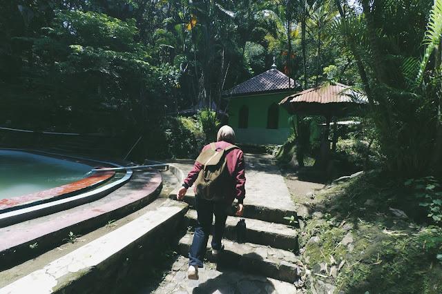 Kawasan Wisata Alam Batu Seribu Sukoharjo