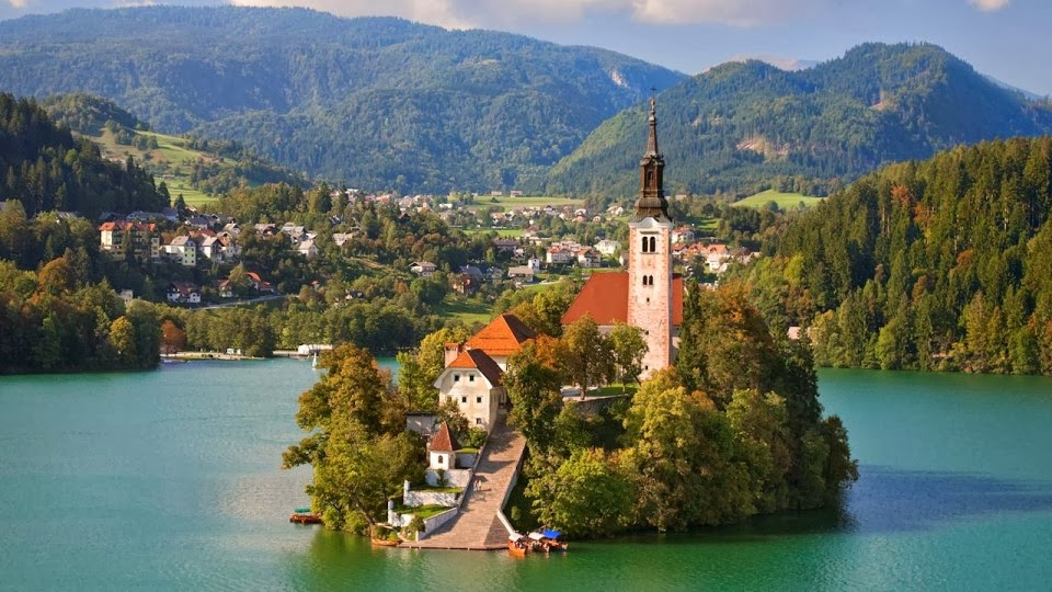 Things Out Of The Ordinary: 10 Most Beautiful Villages In