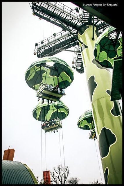 disneyland paris toy soldier parachute drop