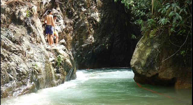 Mencoba Berjalan di Air Seperti Yesus, Pastor Ini Dimangsa Buaya