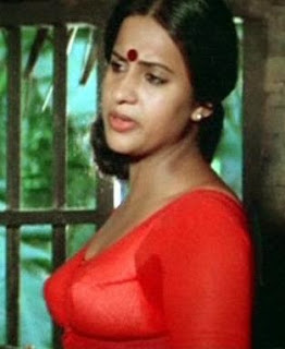 Sema in blouse