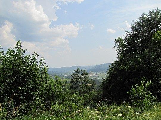 Dolina Jasiołki ze stoków Cergowej.