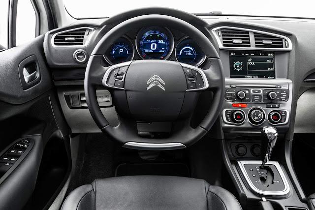 Citroën C4 Lounge 2017 - painel