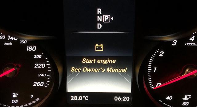 Bạn có thể gặp thông báo này đôi khi chỉ vì bật đèn nội thất hoặc quạt gió quá lâu khi đang tắt máy