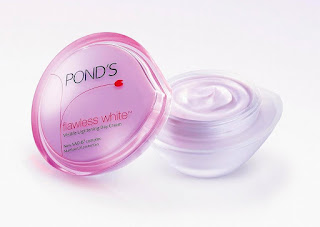 cara memutihkan wajah Pond's Flawless White