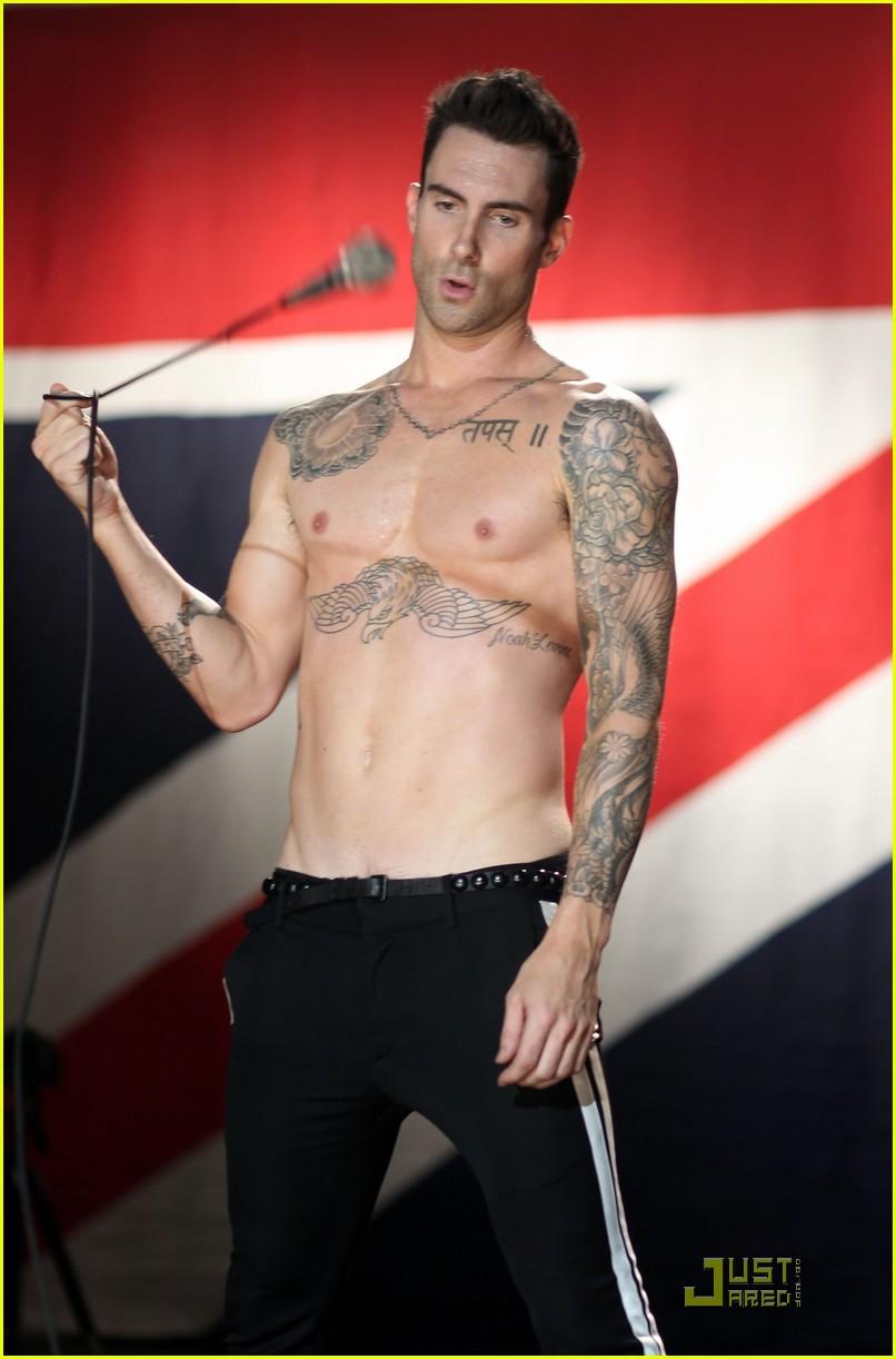 Provocative Wave for Men: Provocative Adam Levine Nude