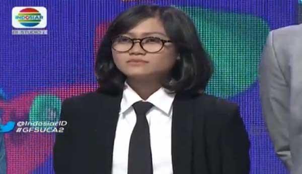 Komika Aci Resti kembali tampil pecah dengan standing applause ke-4 kalinya