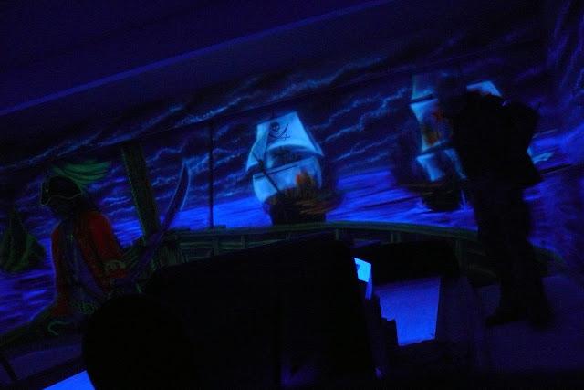 Mural 3D wykonany bezpośrednio na ścianie, obraz namalowany farbami ultrafioletowymi UV, Warszawa