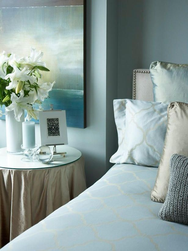 classic blue bedroom with beige details