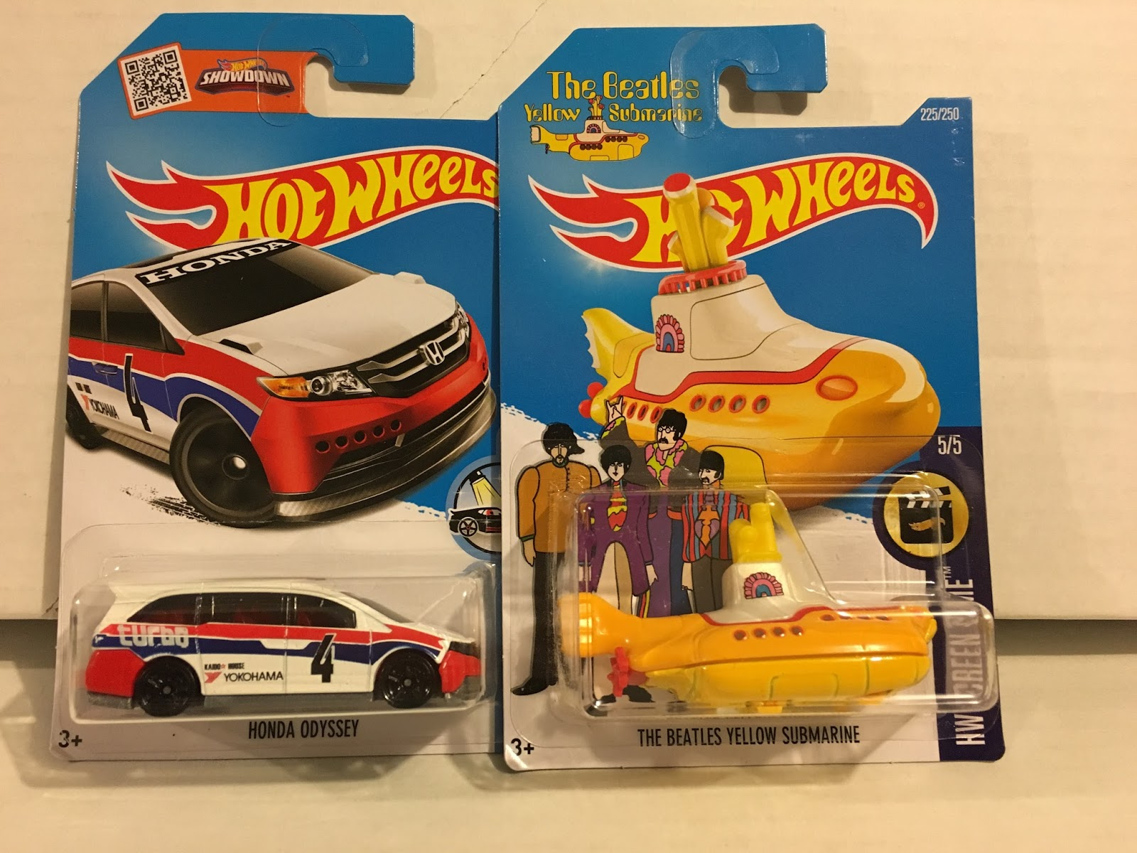 Case report opening a 2016 hot wheels international l for 9 salon hot wheels 2016