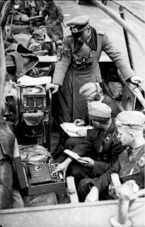 Máquina Enigma a bordo de un Sd.KFz 251