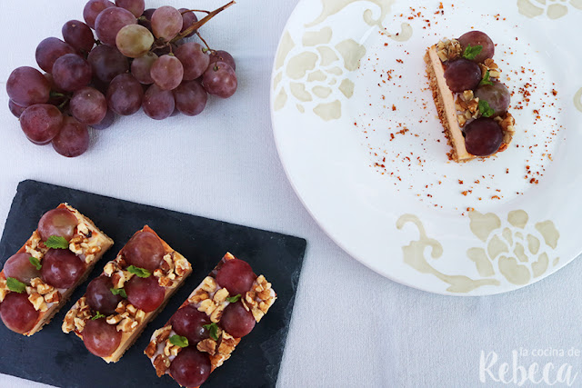 Tarta (salada) de queso, uvas y nueces