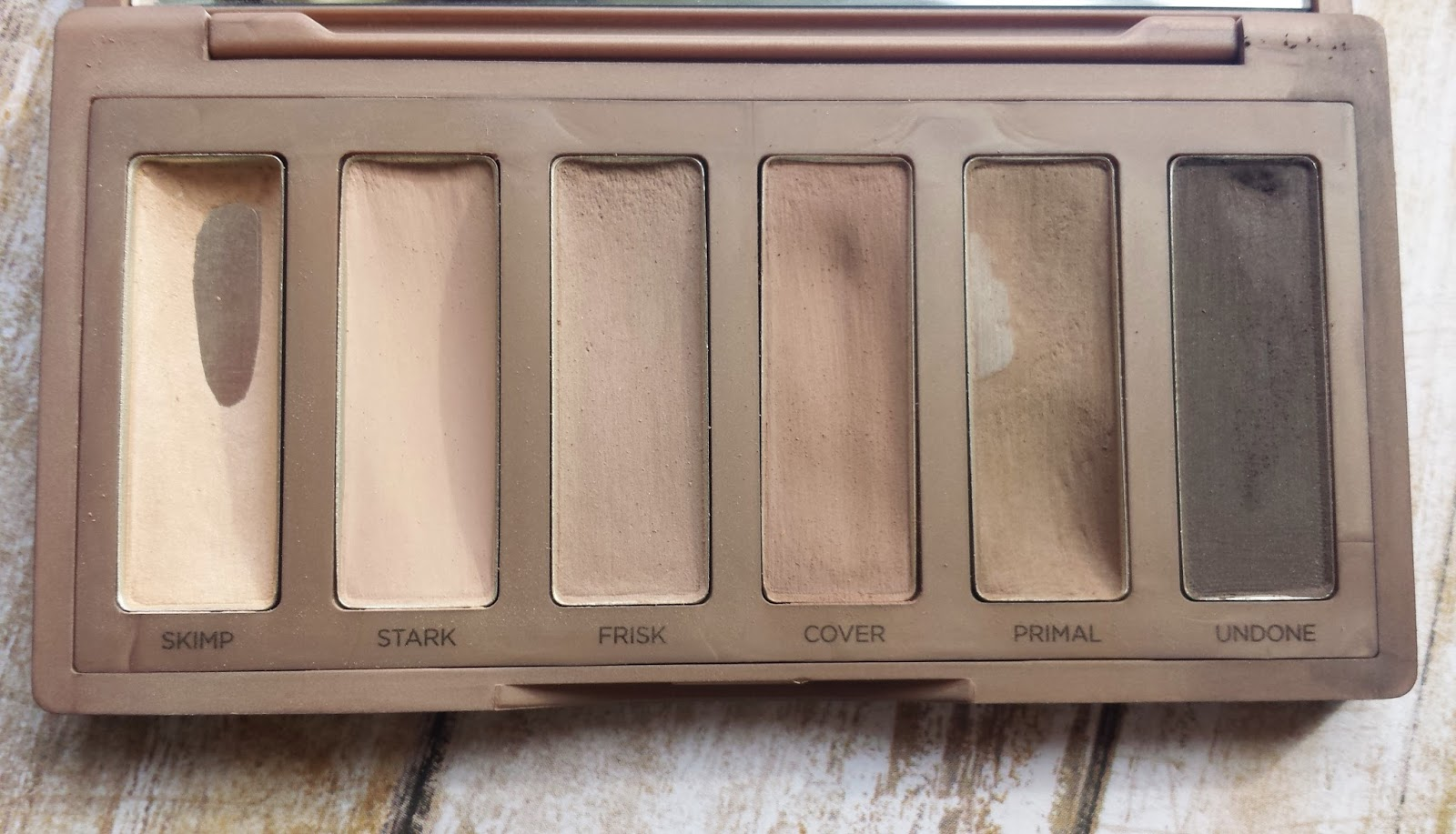 The perfect natural eye featuring the UD Naked Basics2 palette