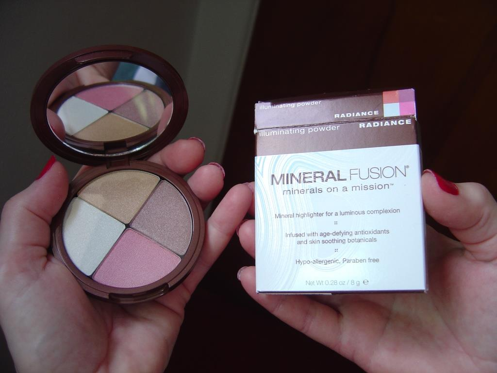 Mineral Fusion Radiance Illuminating Powder.jpeg