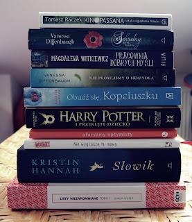 Miesiąc książkowy – historia, czary, kino i czytadła