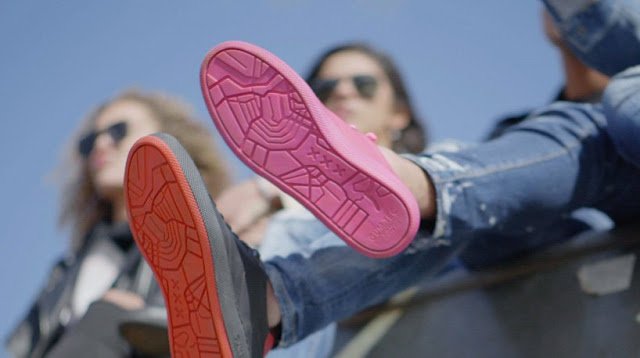 gumshoe-primera-zapatilla-fabricada-con-chicle-reciclado-Amsterdam