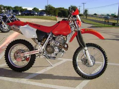 http://www.reliable-store.com/products/honda-xr400r-motorcycle-service-repair-manual-1996-1997-1998-1999-2000-2001-2002-2003-2004-download