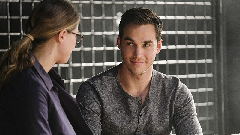 Kara Danvers Mon-El Melissa Benoist Chris Wood Supergirl The Vampire Diaries 2x05 S02E05 Crossfire
