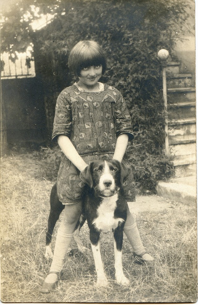A Girl S Best Friend 50 Adorable Vintage Portrait Photos