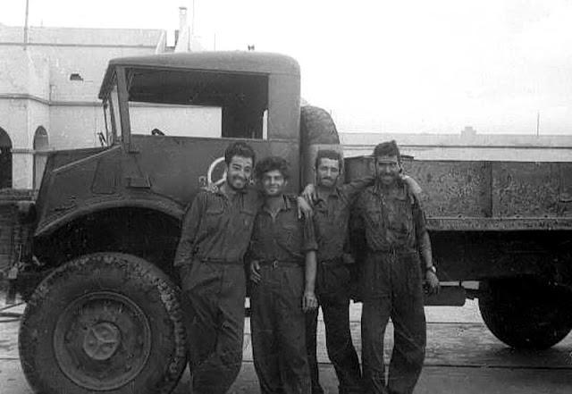 De hierro macizo eran aquellos camiones que se tenían que empujar (Foto de Pepe Colomer)
