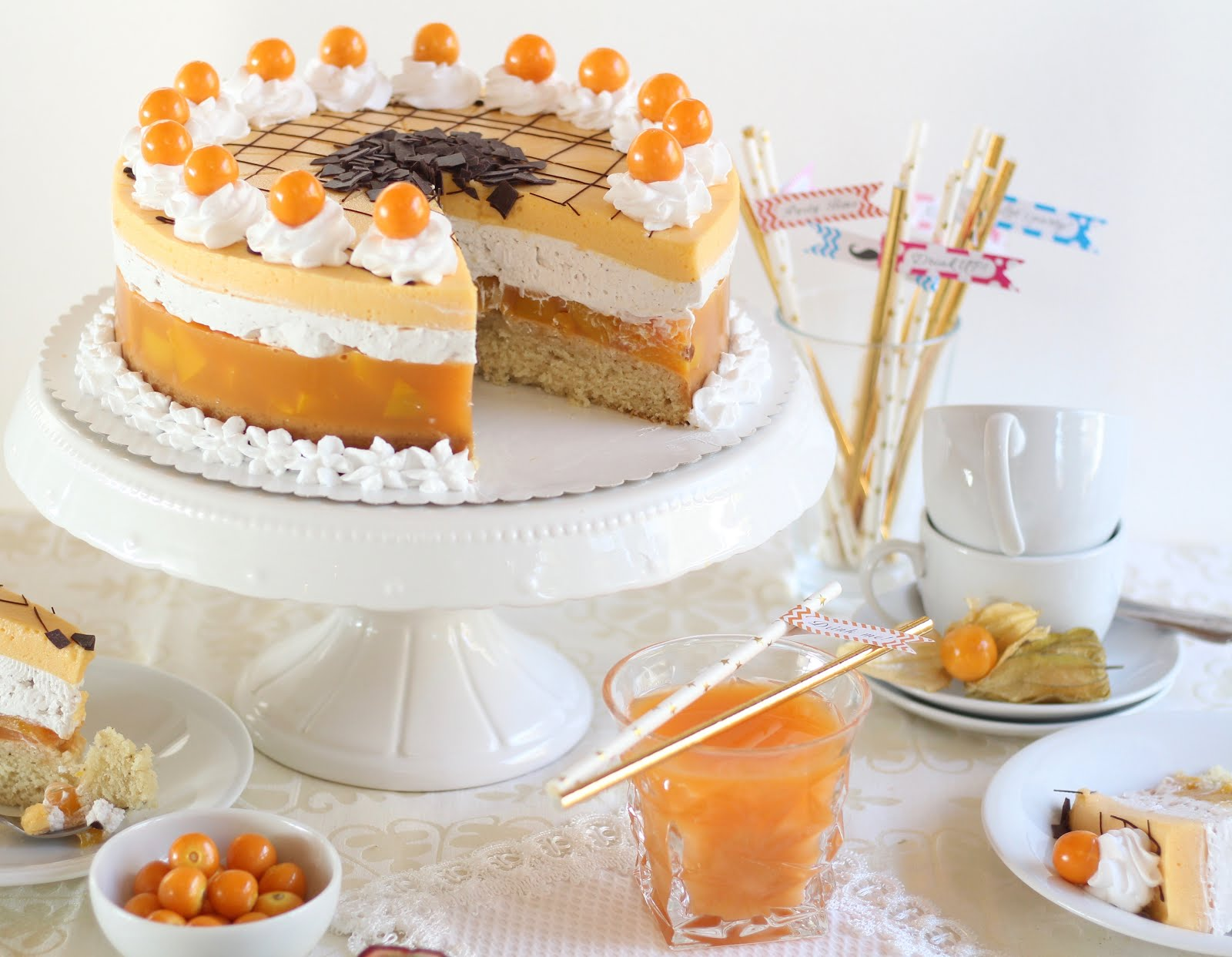 Himmlisch fruchtig leichte Multivitamin-Torte mit Pfirsichen | Rezept und Video von Sugarprincess