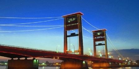 desinasi wisata Sungai Musi dan jembatan ampera