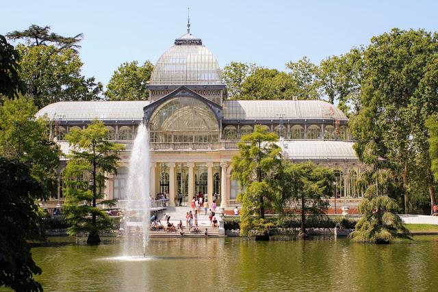 ארמון הזכוכית בפארק רטירו